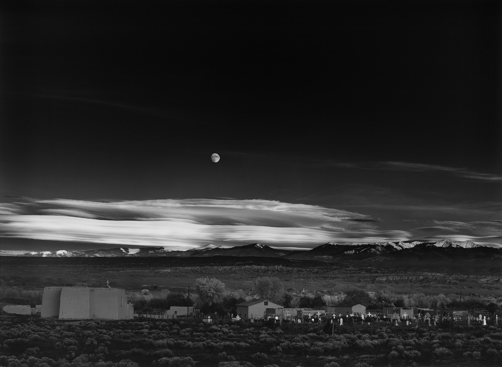"S-0732, vgl. Ansel Adams, ""Moonrise, Hernandez, New Mexico"" 1941."
