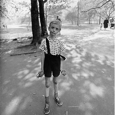 S-0401, Diane Arbus, Child with a Toy Hand Grenade in Central Park (1962)